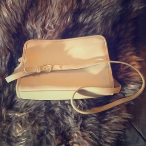 Adorable Vintage Coach Crossbody